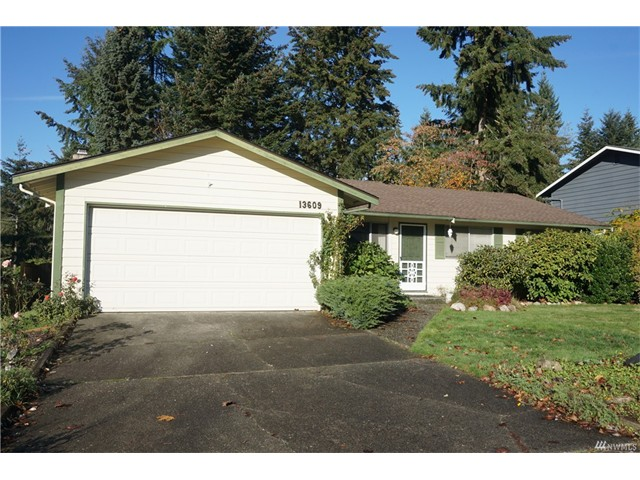 Whether buying or selling a home in Kingsgate, call the Kirkland Home Team at 206-445-8034
