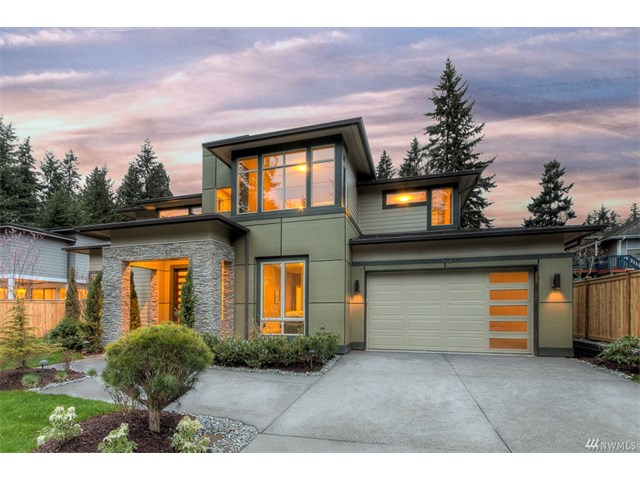 Whether buying or selling a home in Juanita, call the Kirkland Home Team at 206-445-8034