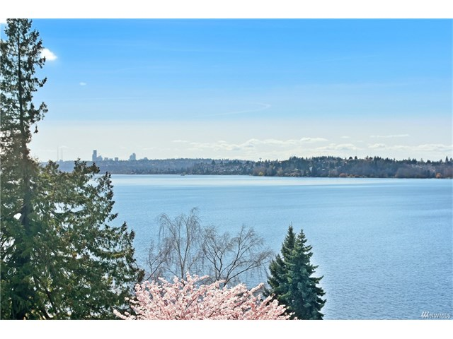 Whether buying or selling a home in West of Market Street, call the Kirkland Home Team at 206-445-8034